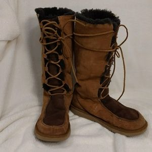 UGG Tan & Brown Lace Up Boot Fur Lined sz 9 Boho